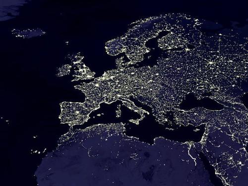 Europa bei Nacht (Quelle: NASA)
