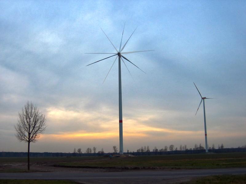 Windräder als HDR-Bild