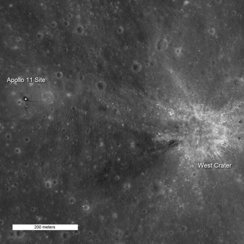 LRO-Aufnahme des Apollo 11 Landeplatzes © NASA/GSFC/Arizona State University