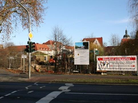 Brückenneubau an der Kreuzung Spreeufer / Berliner Straße