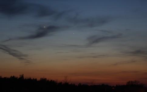 Venus und Merkur am Abendhimmel (Foto vom 2. April 2010)