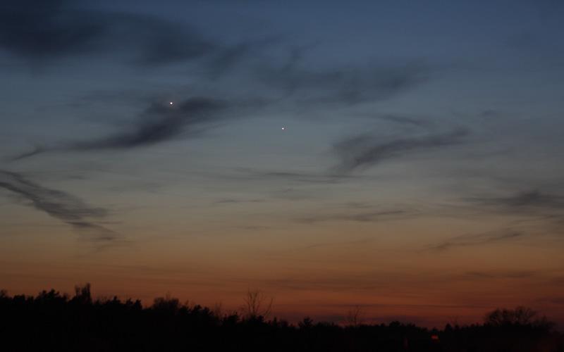 Bild 2: Die Planeten Venus und Merkur am Abendhimmel