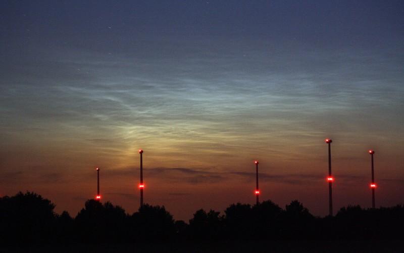 Leuchtende Nachtwolken am 9. Juli 2010 - Detail