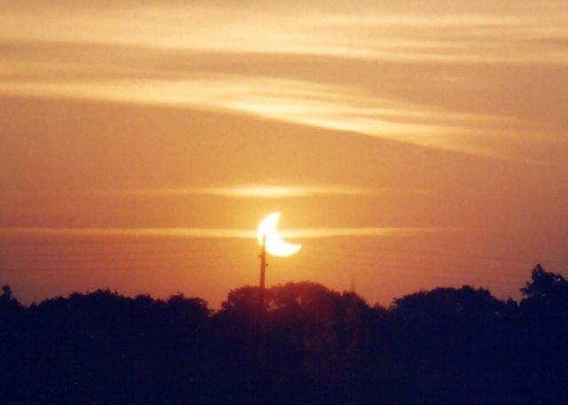 Partielle Sonnenfinsternis vom 31. Mai 2003