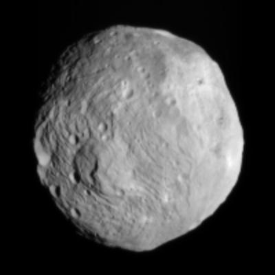 (4) Vesta © NASA/JPL-Caltech/ UCLA/MPS/DLR/IDA