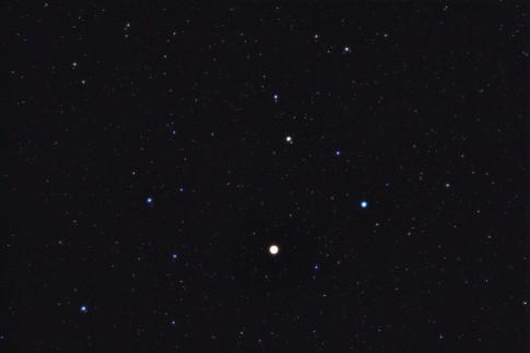 Unser roter Nachrbar Mars im Sternbild Löwe (17x10s Aufnahme mit Weichzeichner-Filter)