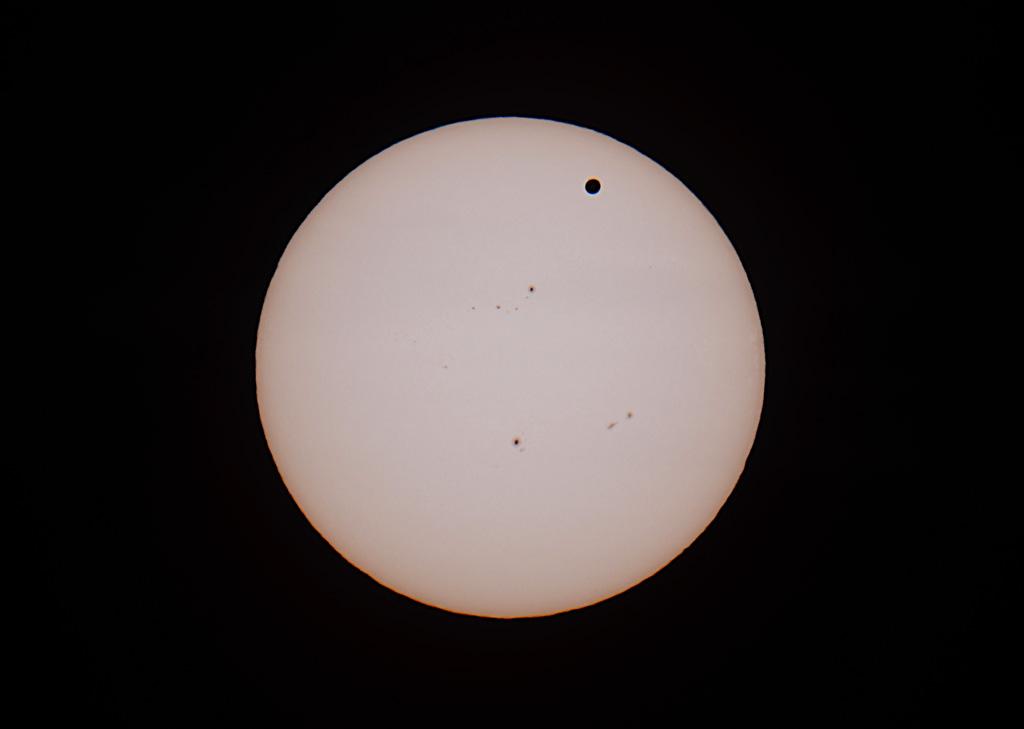 Die Venus vor der Sonne