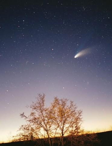 Komet Hale-Bopp im Frühjahr 1997