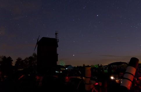 Abendstimmung auf dem 16. SBST: Der Planet Jupiter steht schon tief im Westen