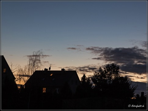 Merkur, Venus und ein Lovejoy unter Wolken