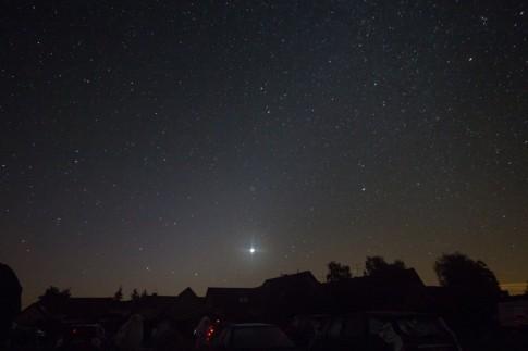 Die Venus steht im Zodiakallichtkegel am Osthimmel
