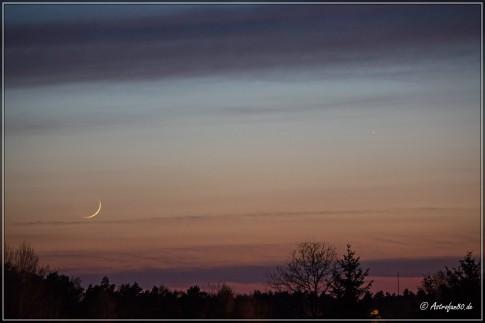 Mond und Merkur über dem Westhorizont