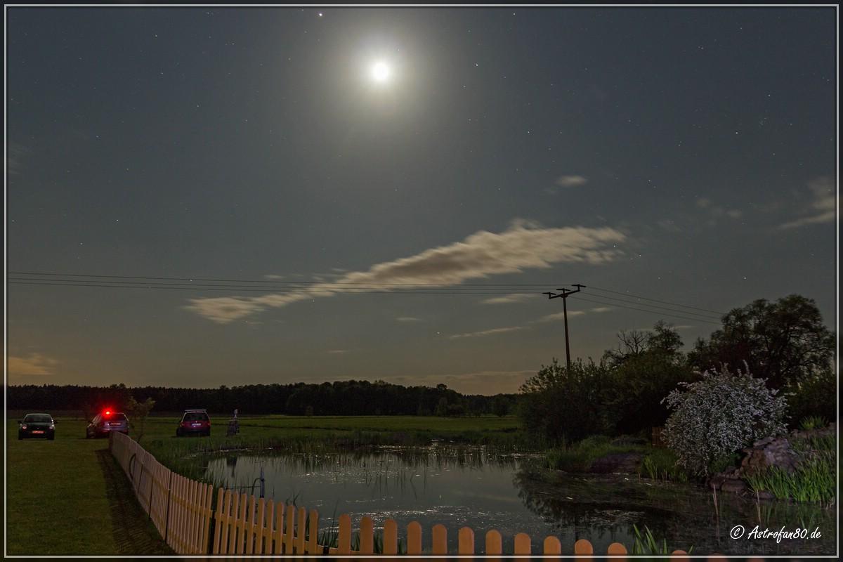 Der zunehmende Halbmond beherrscht den Nachthimmel auf dem 19. SBST in Oppelhain