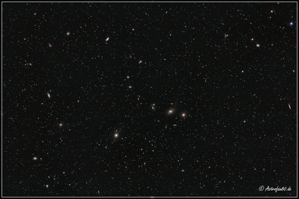 Der Zentralbereich des Virgo-Galaxienhaufens im Sternbild Jungfrau - Canon EOS 1000Da, 200 mm, 31x3 Min., ISO-800, f/3.5