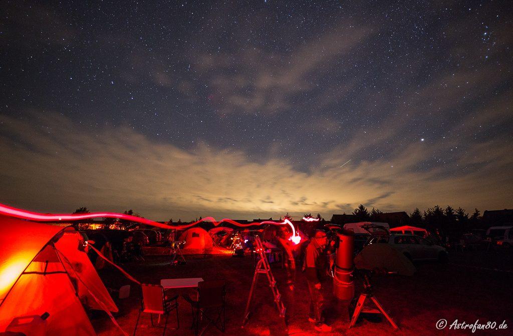 Astronomische Beobachjtungen auf dem HTT mit der Lichterglocke Berlins im Hintergrund