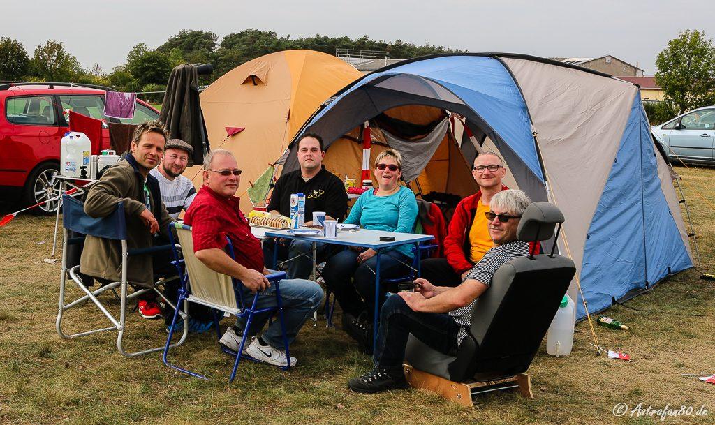 """Mitglieder der Südkurve (von links): Endriko """"Speedy"""", Christian, Thomas, Andreas, Gabi, Jörg & Uwe"""
