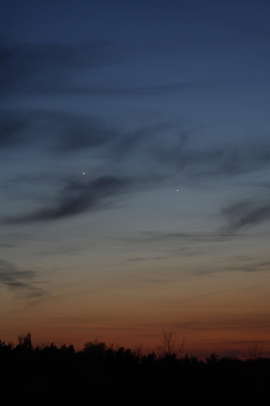 Merkur_Venus_100402