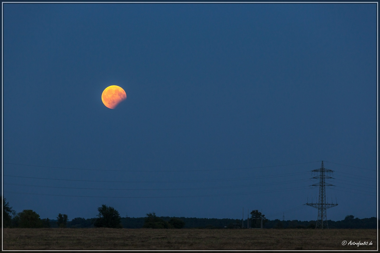MoFi 170807 - Mond über dem Umspannwerk