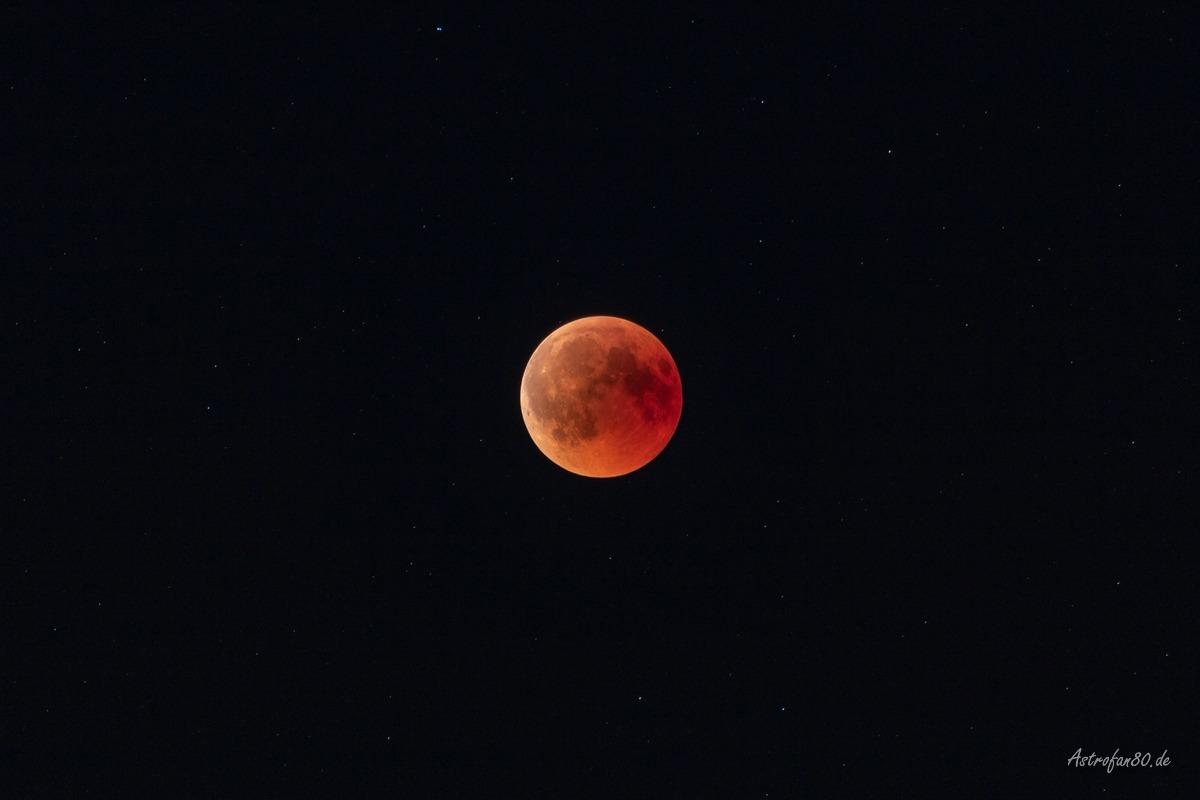 Impressionen von der totalen Mondfinsternis am 27. Juli 2018