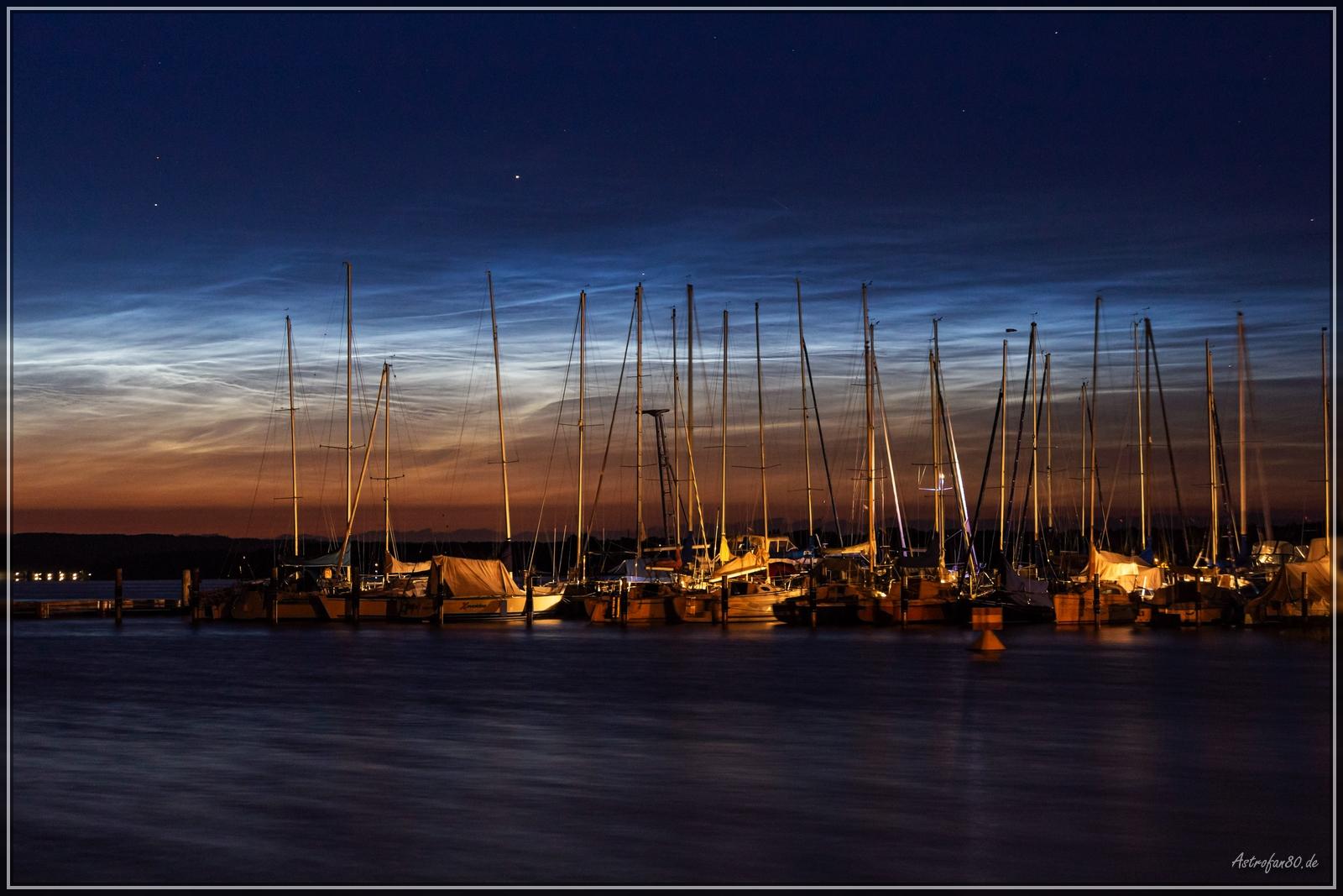 Leuchtende Nachtwolken in der Nacht vom 2. auf den 3. Juli