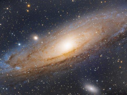 Objekte des Monats: Die Andromedagalaxie Messier 31 und ihre Begleiter