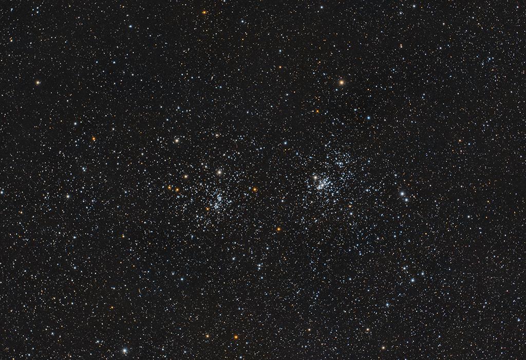 Objekte des Monats: Der Doppelsternhaufen h und Chi Persei