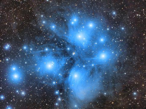 Objekte des Monats: Die Plejaden Messier 45